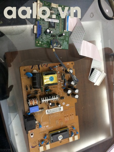 Bo nguồn và tín hiệu LG L1742t-pf