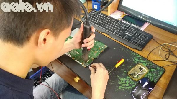 Sửa laptop Dell XPS 14 màn bị chảy mực-aalo.vn