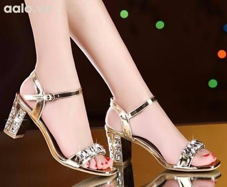Giày gót vuông đính đá Lilian tinh tế