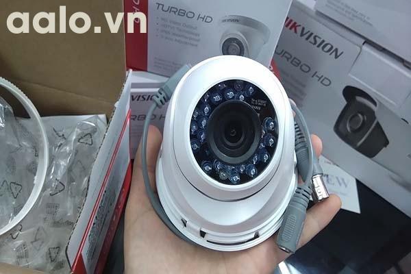 Camera / DS-2CE56C0T-IR / HD-TVI bán cầu ngoài trời hồng ngoại 20m 1 MP.