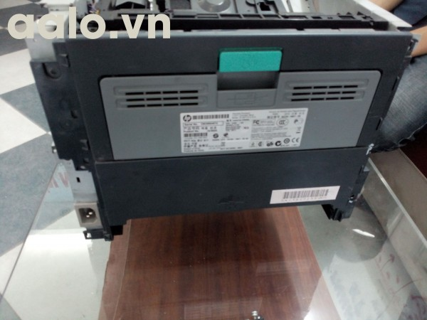 Mặt sau máy in HP P2055d
