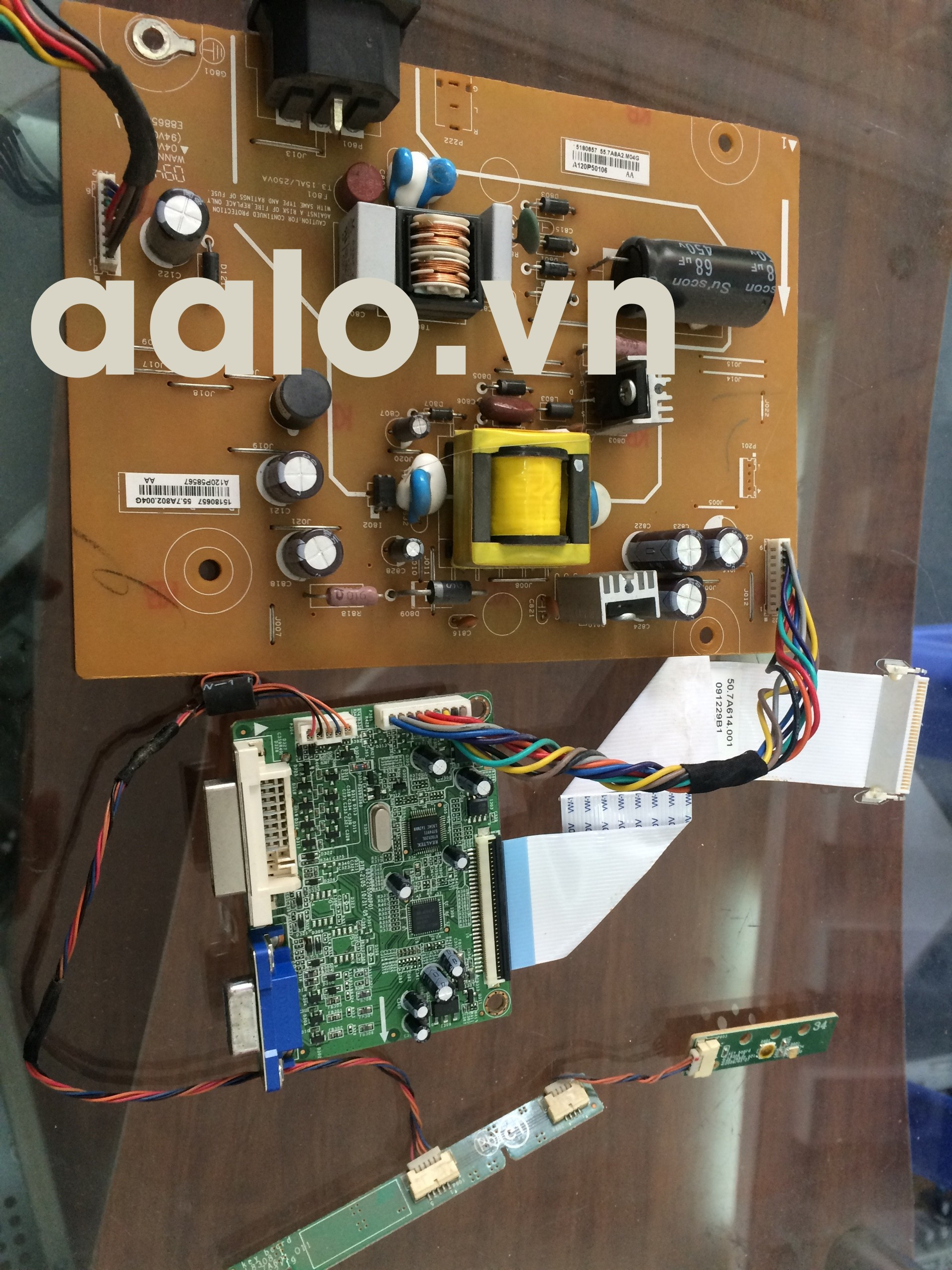 Bo nguồn và tín hiệu Acer P195HQL